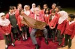 rolf-plays-his-wobble-board-with-pupils-from-washwood-heath-primary-school-611820275